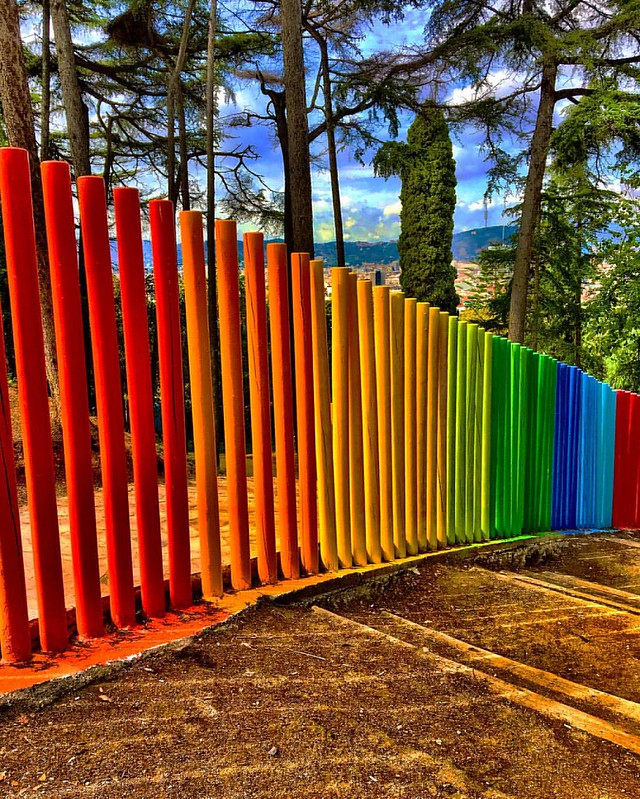 Seen at the Montjuïc in Barcelona #thebarcelonist #igbarcelona #barcelona #barcelonagram #barcelover #montjuic #montjuïc @visitbarcelona #visitbarcelona #barcelonapicoftheweek #mediterraneo #colores #colorsplash #colourful #farben #allefarben #art