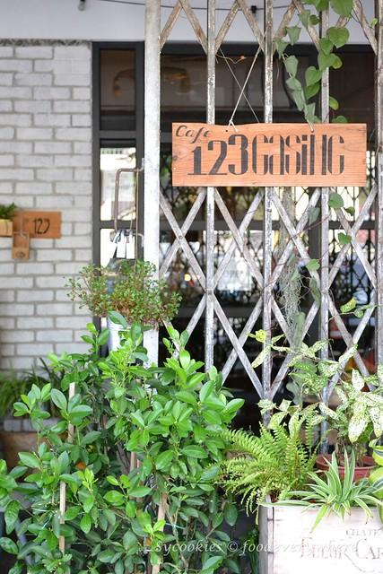 1.Gasing 123 Cafe @ Jalan Gasing
