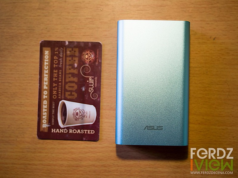 Size comparison with a credit-card size card