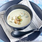 Brussels sprouts and Stilton soup
