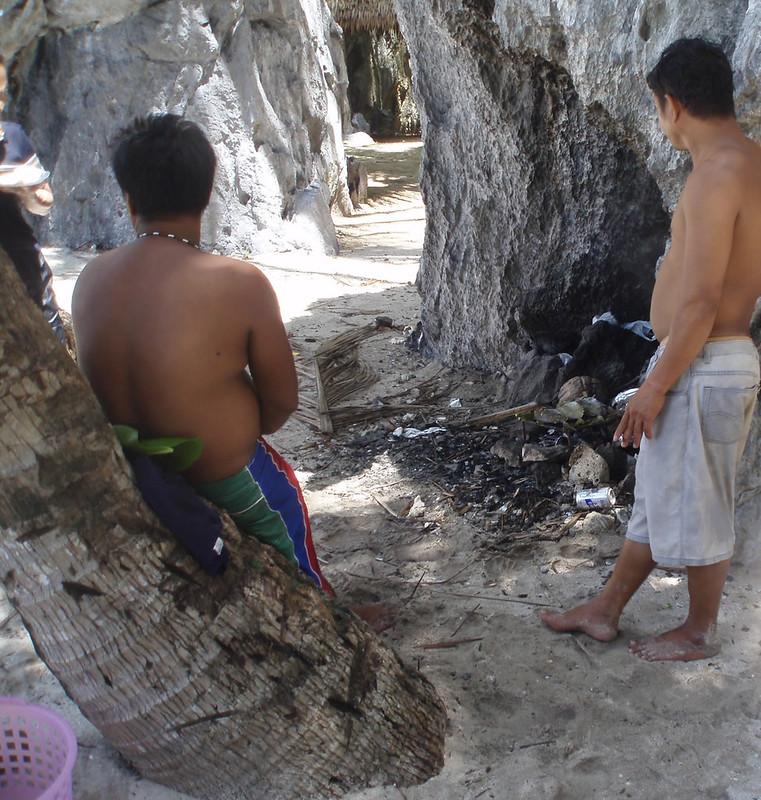 """Preparando la comida durante el """"Island Hoping"""""""