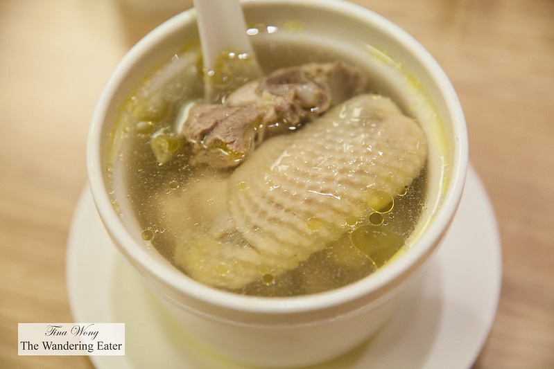 Steamed chicken soup