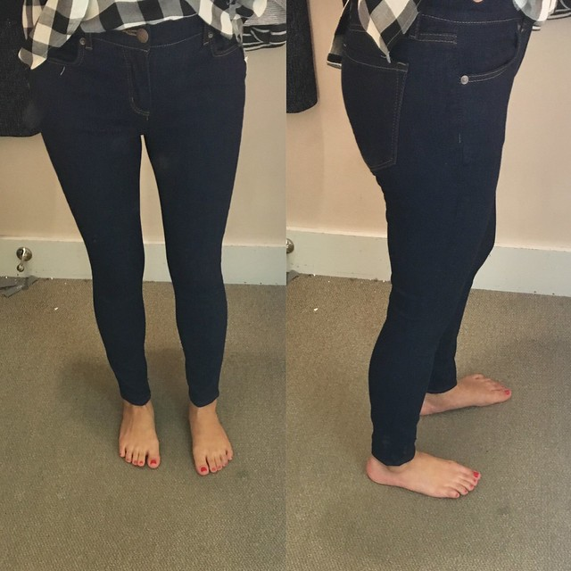 LOFT Denim Leggings in rinse wash, size 26/2P
