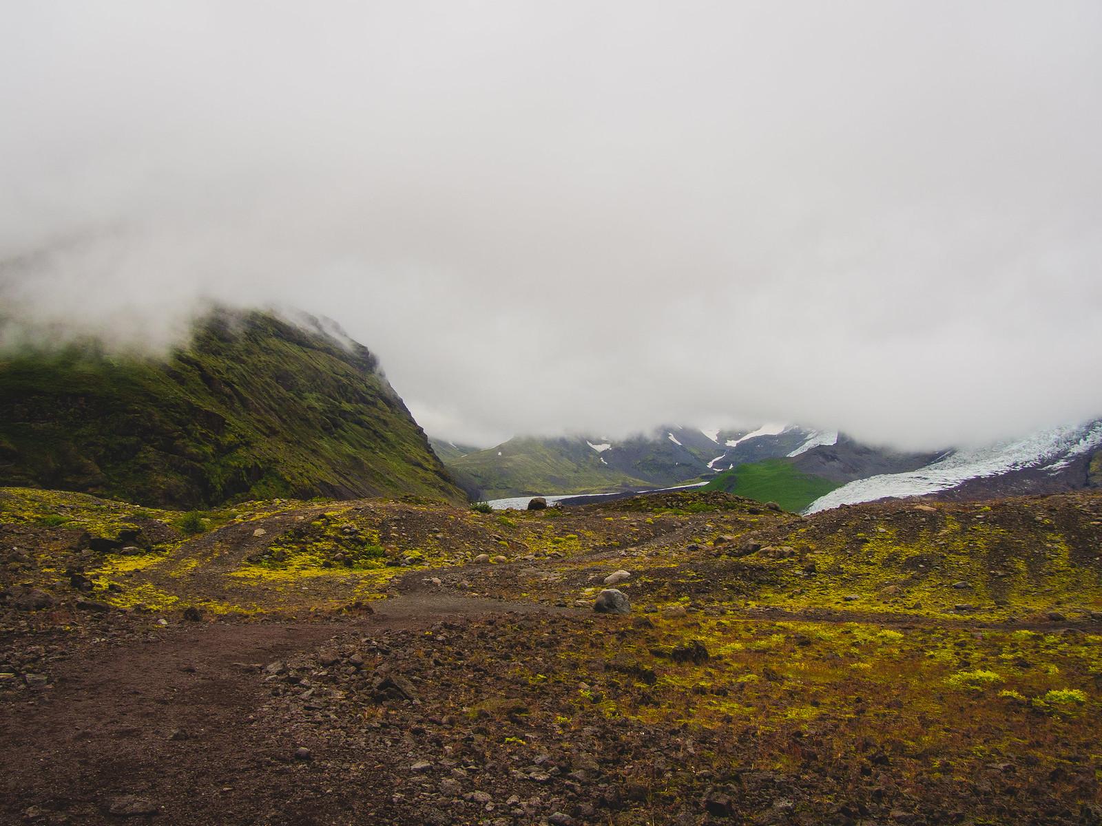 Traking to glacier