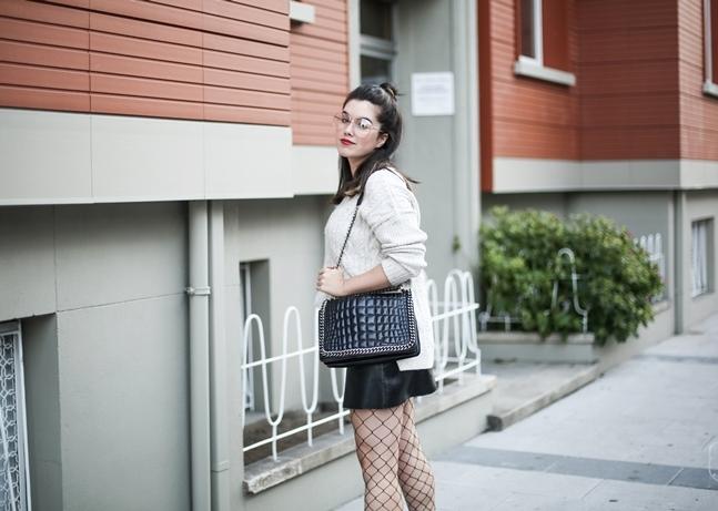 look tendencia medias rejilla falda abotonada botas terciopelo stradivarius myblueberrynightsblog