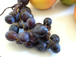 iPhone 4S test shot - grapes | by maki