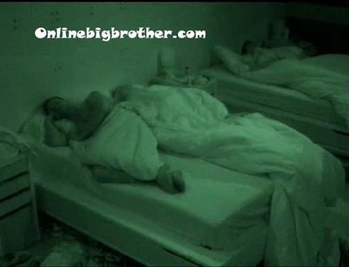 BB13-C4-7-8-2011-7_48_23.jpg | by onlinebigbrother.com