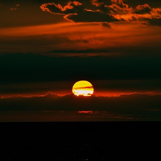 good night, big orange and yellow ball | by elmofoto