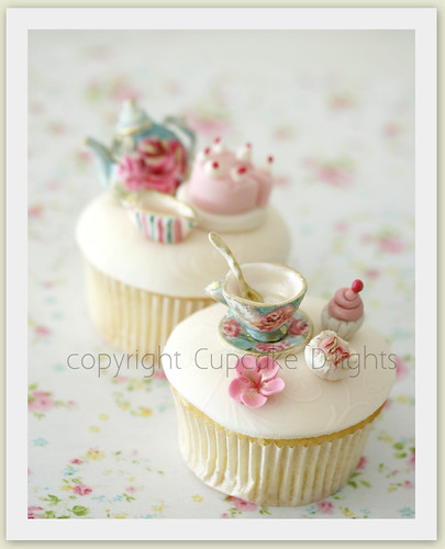 oprah Tea party cupcakes | by {zalita}