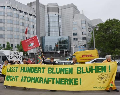 26.05.16: Protest vor chinesischen Botschaft: AKW in China abschalten! AKW-Export beenden!
