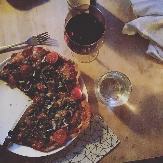 It's the weekend. I'm full of grim cold-cough sickness so obviously it's all about pizza and primitivo