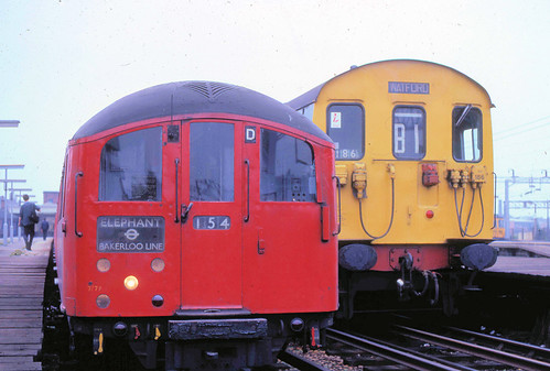 1938 Tube Stock & Class 501 unit at Watford Junction