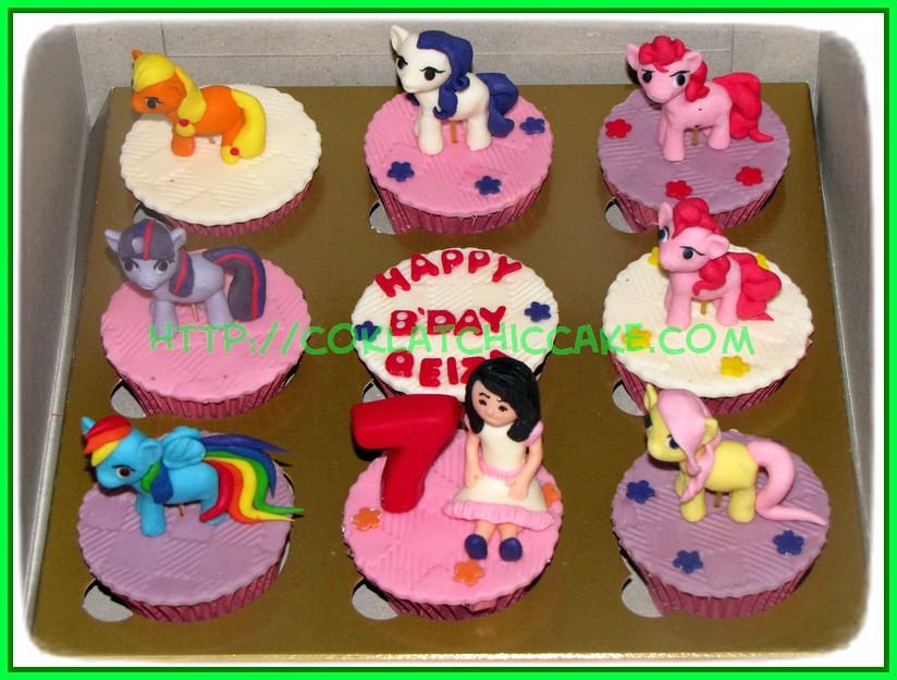 cupcake set pony