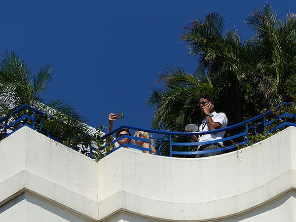 selfie sur le toit du martinez