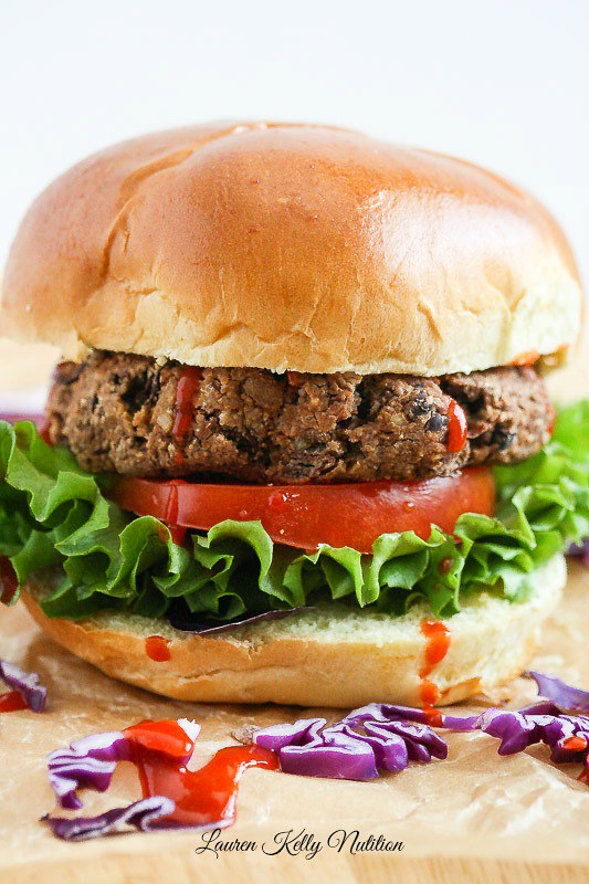 15 Healthy Burger Recipes, Meat and Meatless.  Everything from beef and turkey to salmon and black.  There's something for everyone!  Thai Veggie Burger