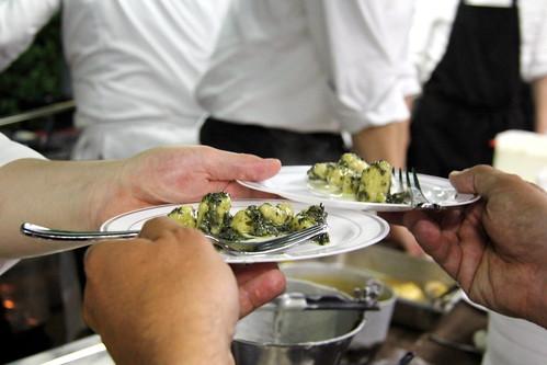 gnocchi di polenta all'ortica su fonduta di casel bellunese