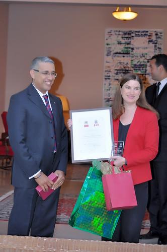 Les diplômés marocains des grandes écoles canadiennes étaient conviés à la 1ere édition des rencontres de réseautage des diplômés marocains du Canada à Rabat.   C'est sous le thème «Comment dynamiser les relations commerciales maroco-canadiennes» qu'a eu