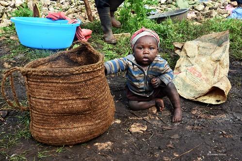 Ella juega con el café- Haití