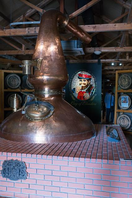 ニッカウヰスキー 余市蒸留所、展示用蒸留器