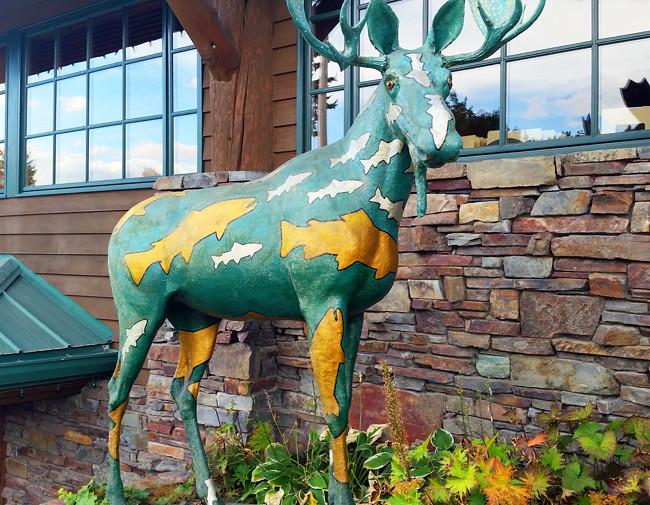 moose-statue
