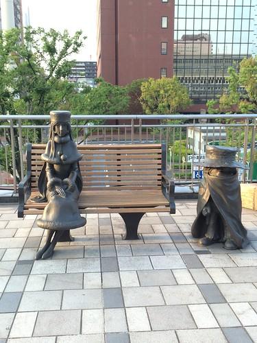 小倉駅北口:メーテルと鉄郎