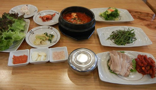 Korean set meal | by rikomatic
