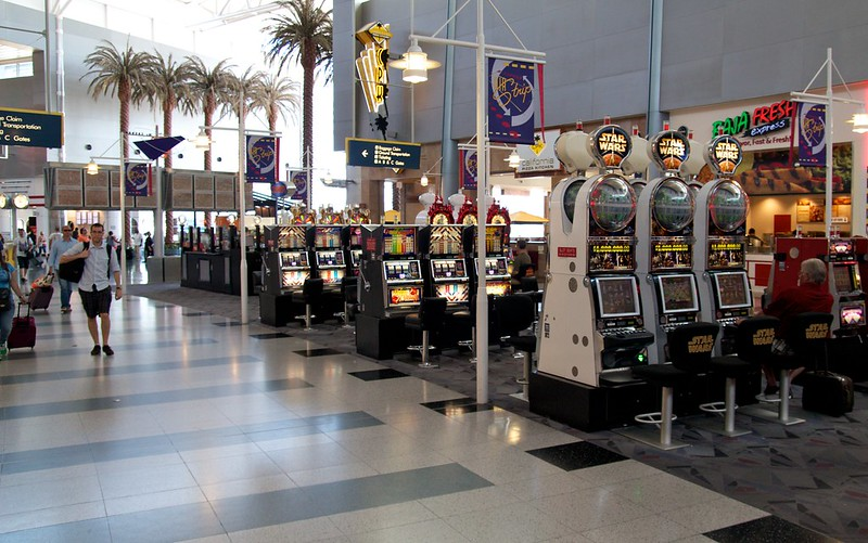 The Las Vegas Airport slots - only in Vegas! Image: Patrick Rasenberg, CC. Las Vegas with kids.