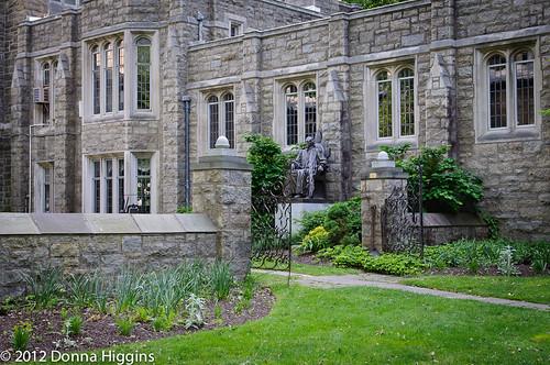 Garden Behind The Washington Memorial Chapel View On