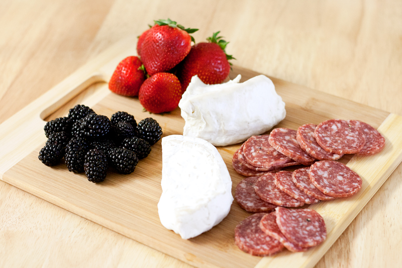 03columbus-salami-food-cheese-berries-soiree-style