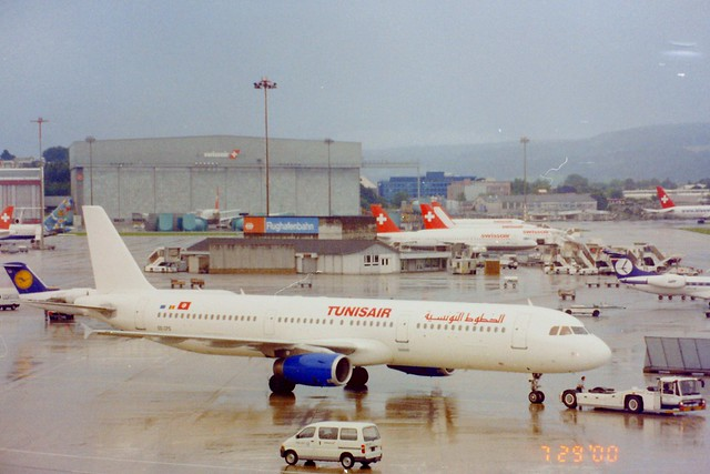 OO-CPS A321 Tunisair Zurich July 2000