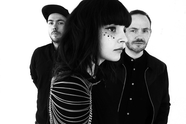 CHVRCHES_Credit-Danny-Clinch-1-print