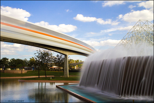 Monorail Monday: Orange Blur #Disney #Photo | by Alan Rappa
