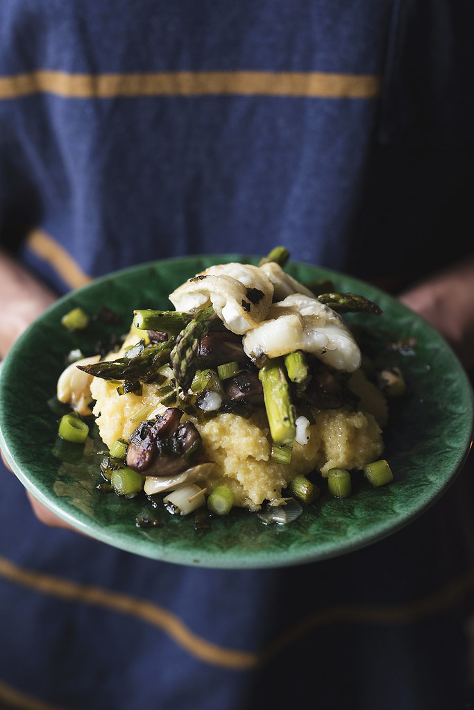 polenta med svamp, sparris och getost