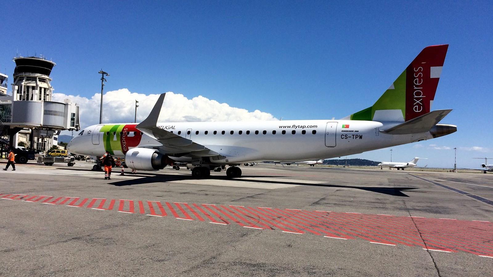 Forgalomba állt az első Embraer a TAP-nál