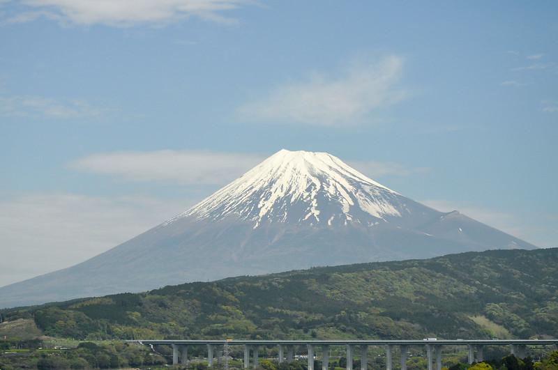 2016-04-18 Passing Fuji
