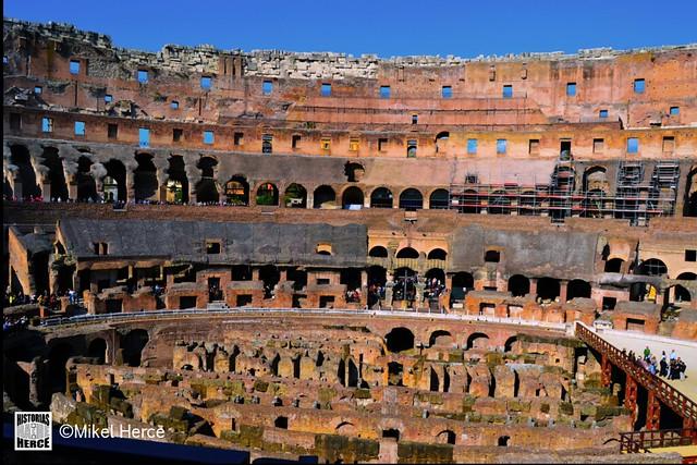 96. Coliseo Romano interior