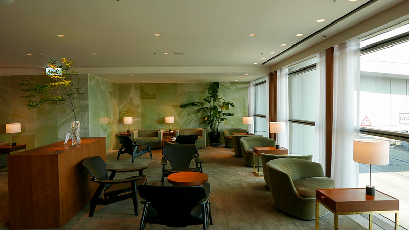 28045759726 f2619f4211 c - REVIEW - Cathay Pacific: The Pier First Class Lounge, Hong Kong (Breakfast service)