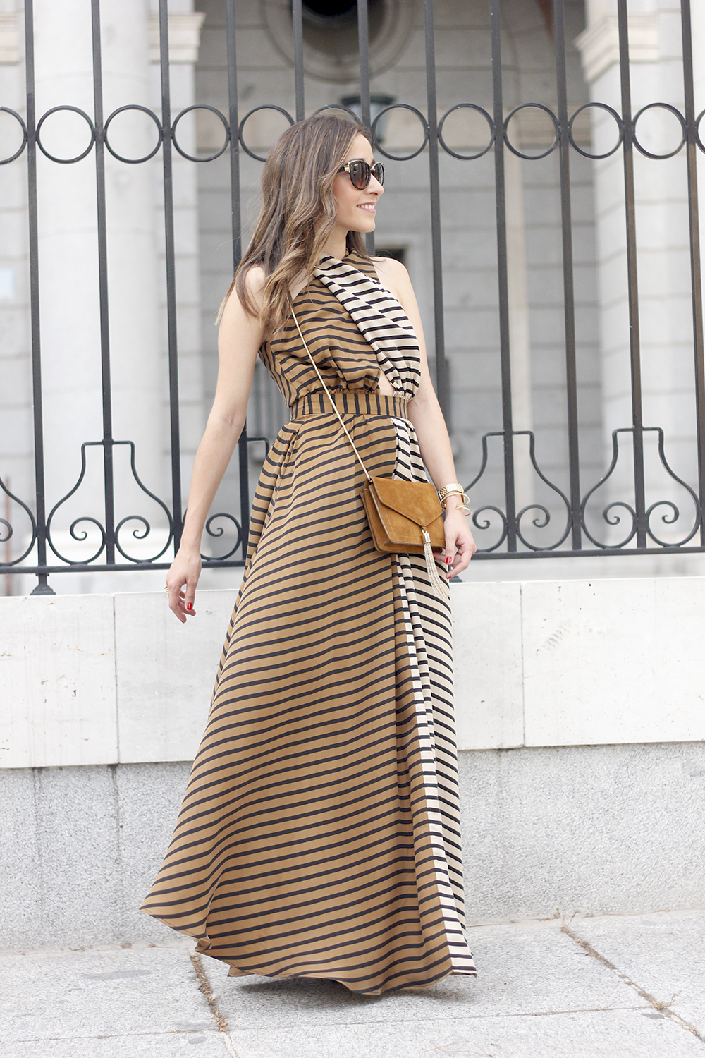 Maxi Striped Dress summer outfit sunnies uterqüe black sandals style fashion12