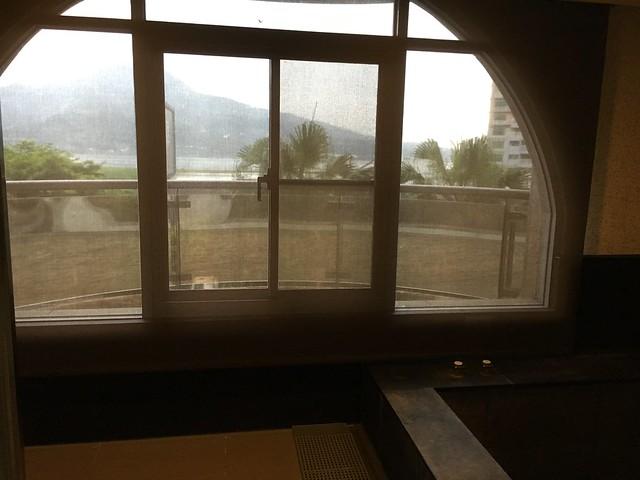 有半透明的捲簾@福容淡水紅樹林湯屋