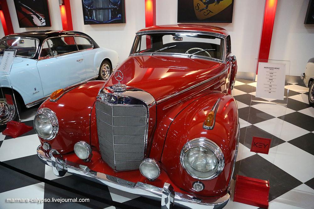 201-Mercedes-Benz-300-SC-1956