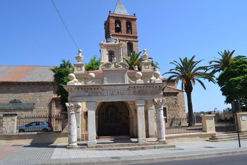 El curioso hornito de Santa Eulalia, con restos de monumentos romanos.