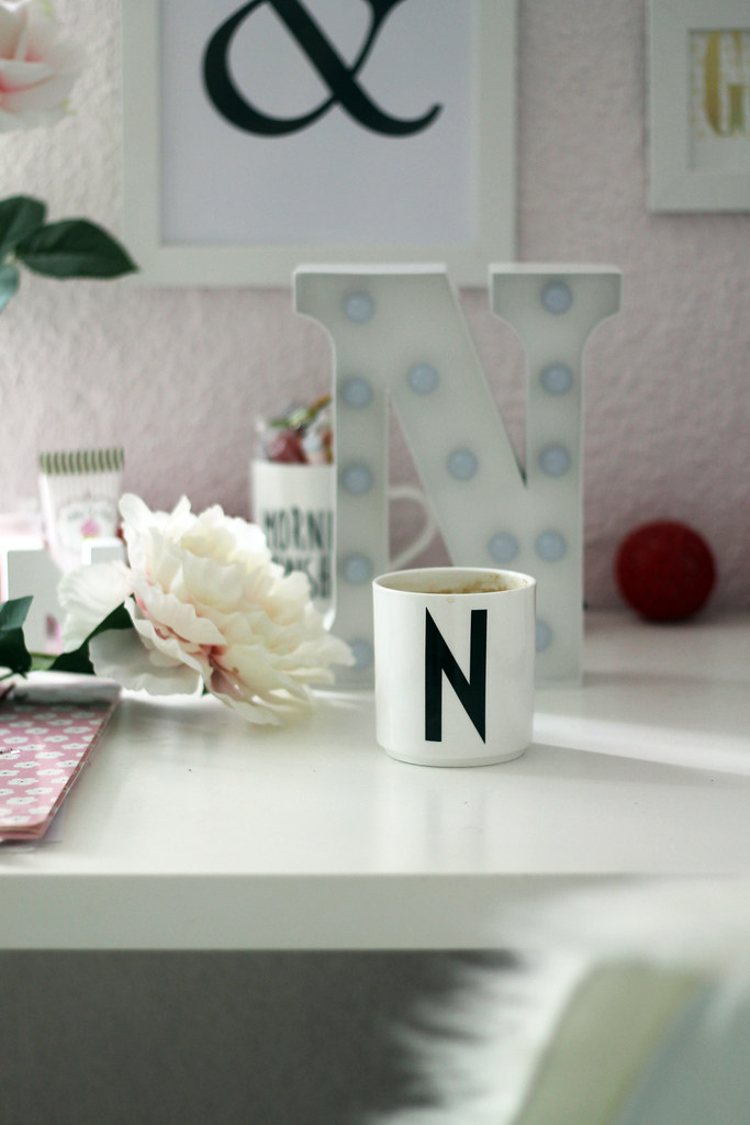 westwing-home-deko-arbeitsplatz-inspiration-büro-tasse-fashionblog5