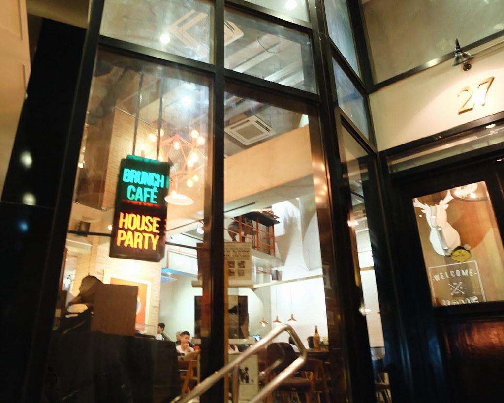 unit 27 cafe and bar bgc