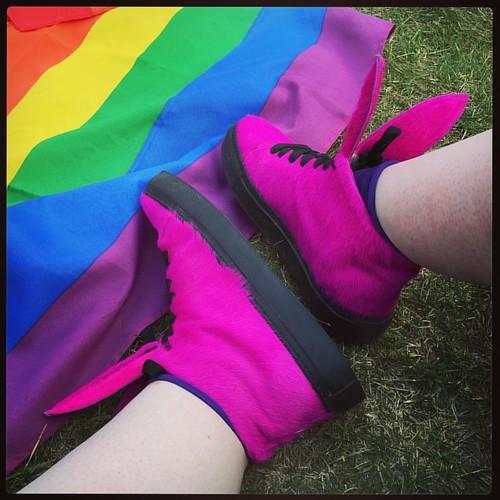 Puputennarit ja käyttäjänsä pääsivät tänään ensimmäistä kertaa Pride-kulkueeseen (ja -piknikille). ❤️💛💚💙💜 #puputossutrules #helsinkipride2016 #pride #rainbow #sateenkaari #paraskesä #latergram #100hap