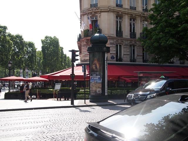 P5281810 Fouquet's(フーケッツ) シャンゼリゼ大通り L'Avenue des Champs-Élysées パリ フランス paris france