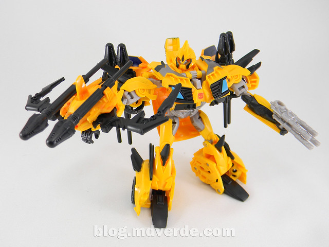 Transformers Bumblebee Deluxe - TF Prime Beast Hunters - modo robot