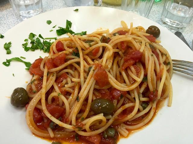 spaghetti-puttanesca-palermo