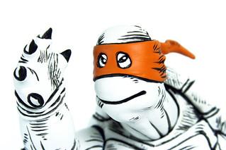 MONDO; Nickelodeon TEENAGE MUTANT NINJA TURTLES ; THE FIRST TURTLE (B&W Deluxe Version, Orange Mask head) (( 2016 )) [[ Courtesy of MONDO ]]