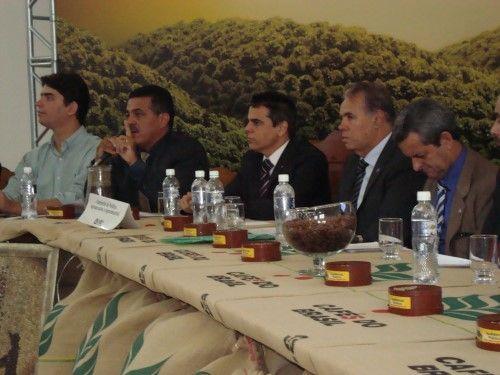 Consórcio e frente parlamentar da cafeicultura em Nova Resende