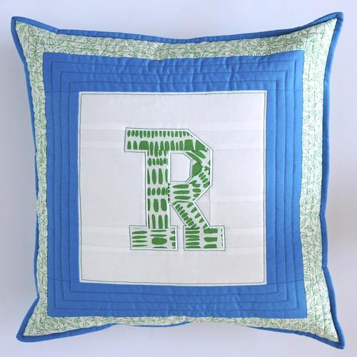 R's cushion